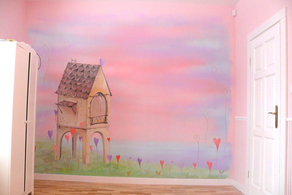 różowy pokój dziewczynki, malowidło ścienne w pokoju dziecięcym,