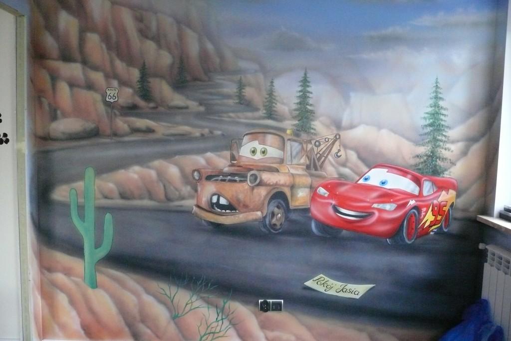 Malowanie pokoju dziecka, auta z bajki Cars