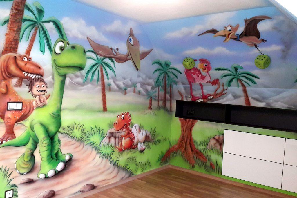 malowanie dinazurów na ścianie