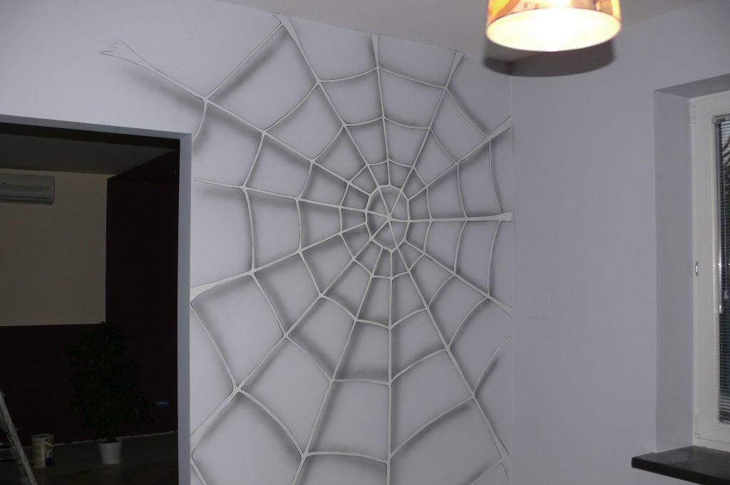Pokój chłopca, malowanie ściany w pokoju dziecięcym