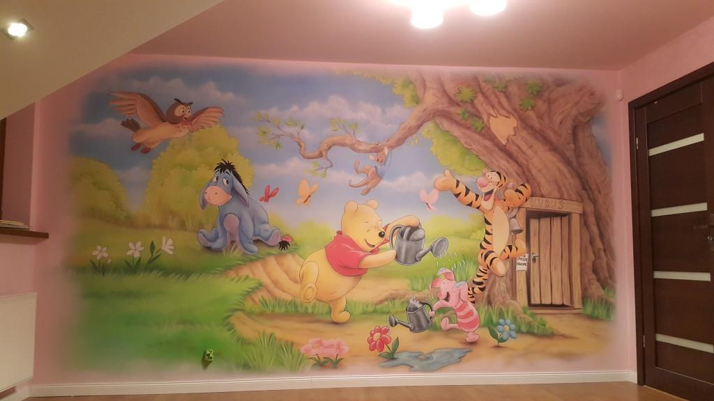 Malowanie pokoju dziecięcego w motyw Kubusia Puchatka, inspiracje