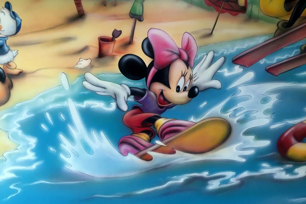 Myszka miki, malowanie myszki Micki na ścianie