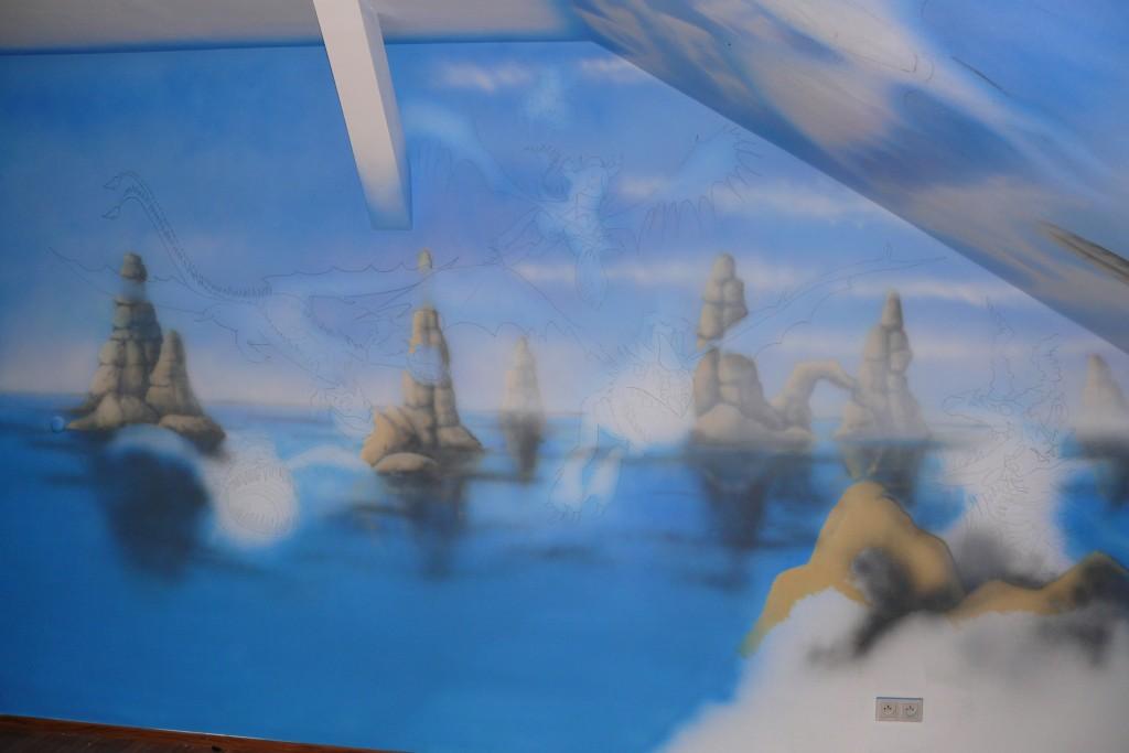 Malowanie pokoju chłopca, malowanie smoka na scianie w pokoju dziecięcym