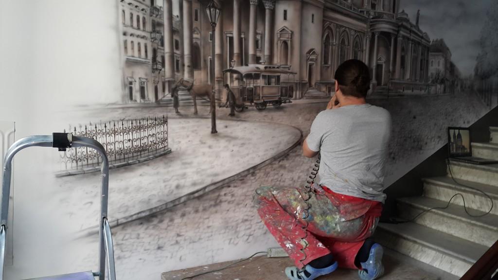 Malowanie obrazu w sepii, mural