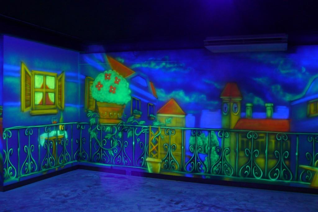 Malowanie farbami UV, obraz namalowany w ultrafiolecie