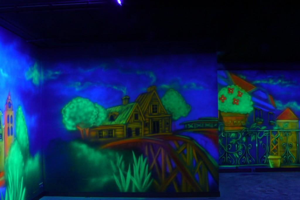 Malowanie obrazu w ultrafiolecie, aranżacja kręgielni,
