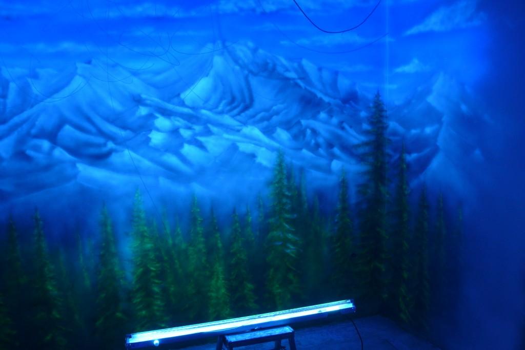 Pejzaż górski, malowanie obrazu farbami UV