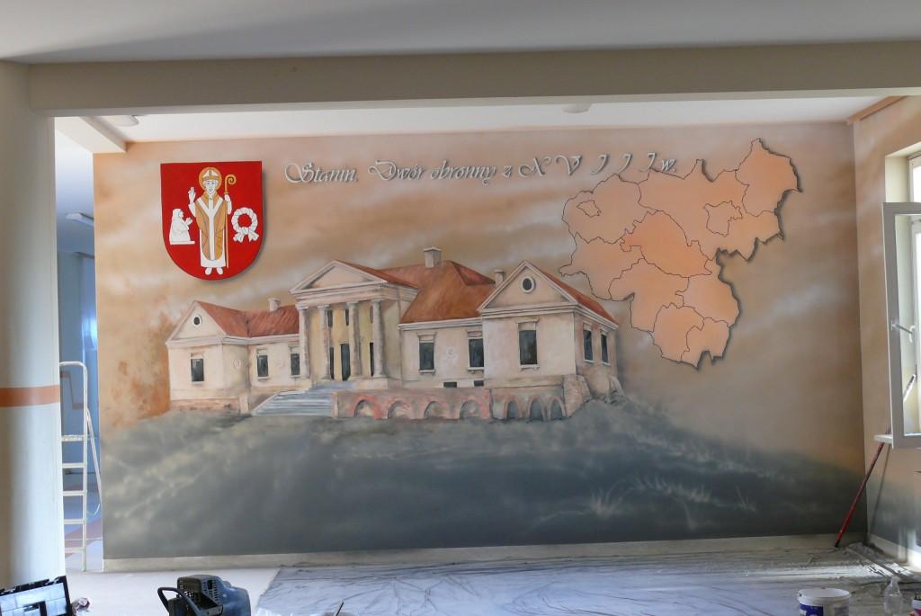 Malowanie ściany, herb, malowanie napisów