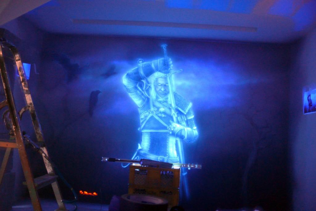 Malowanie obrazu w ultrafiolecie, mural ścienny wiedźmin