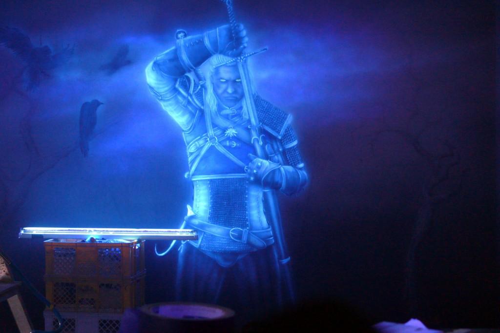 Malowanie farbami UV, obraz świecący w ciemności,