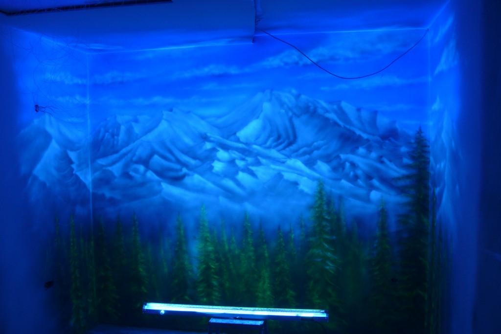 Mural UV namalowany w ultrafiolecie