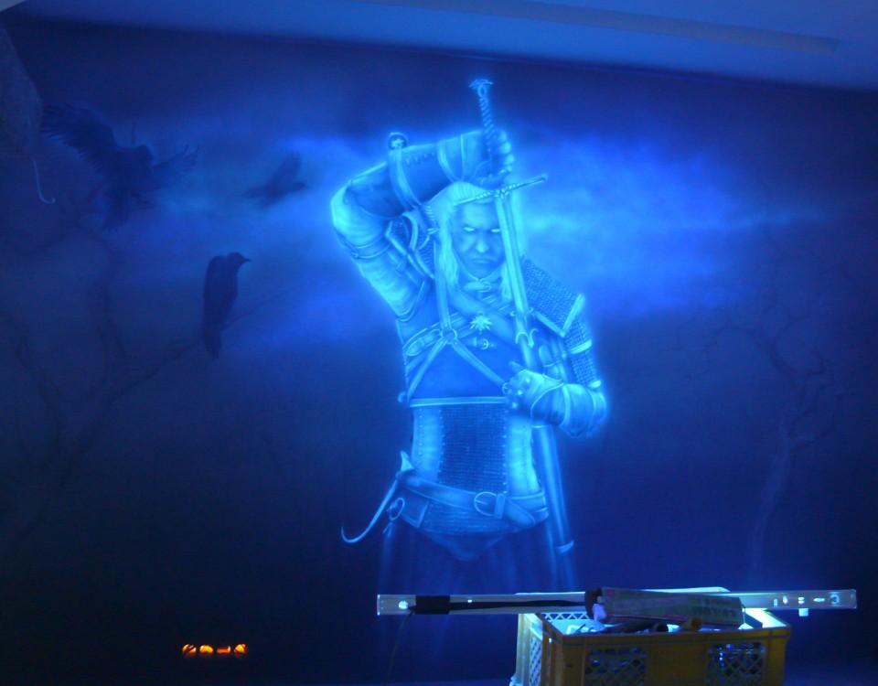 Malowanie farbami UV, fluorescencyjnymi, obraz świecący w ciemności