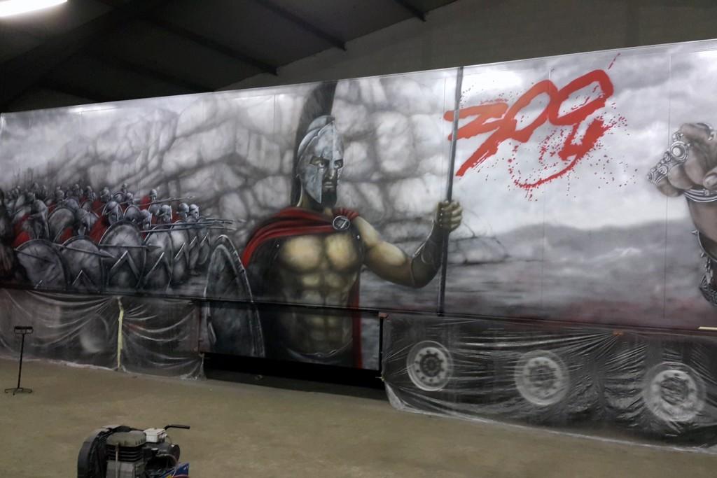 Artystyczne malowanie samochodu ciężarowego