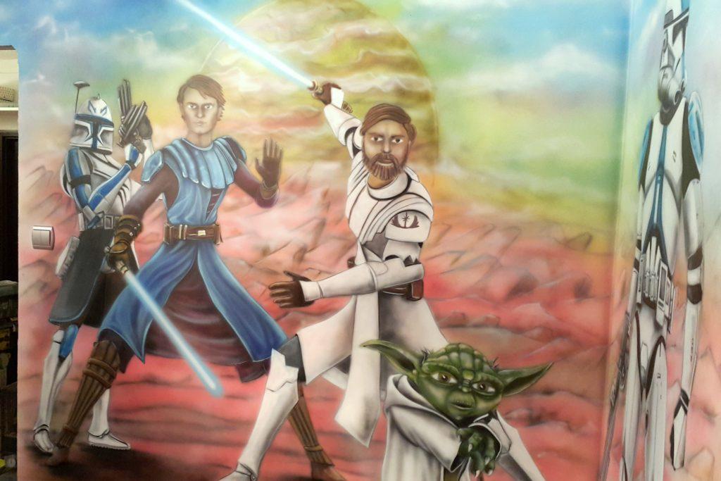 Malowanie na ścianie motywu z Gwiezdnych Wojen