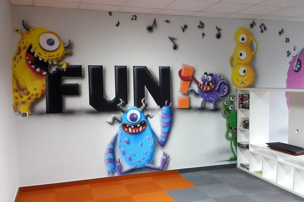 Malowanie reklamy w biurze, malowanie reklam na ścianie