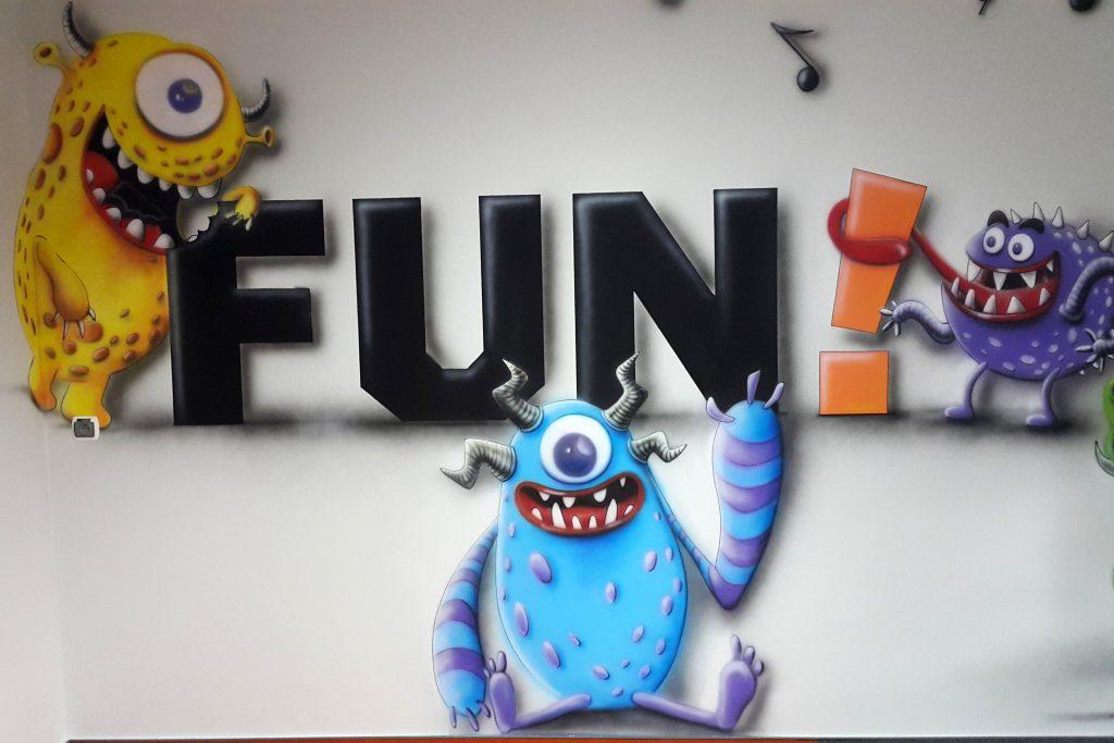 Malowanie reklamy w biurze, artystyczne malowanie reklam
