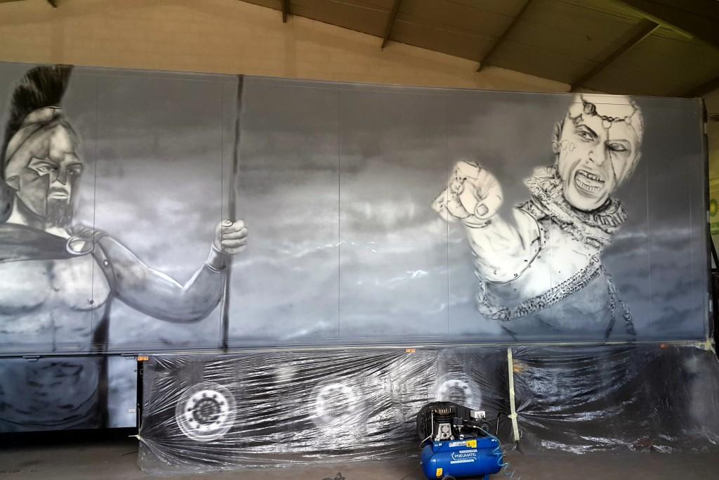 Malowanie graffiti na ritze, artsytyczne malowanie cieżarówki