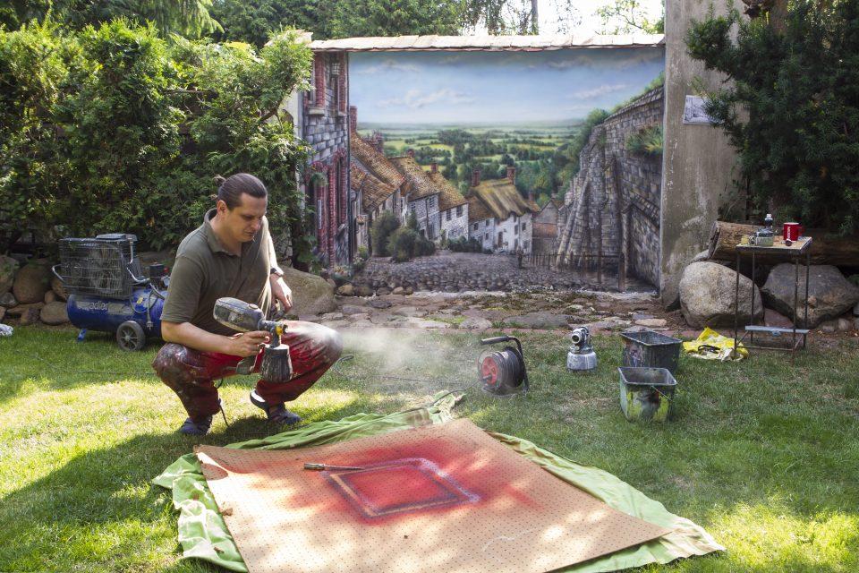 Artystyczne malowanie ścian, Malowanie graffiti w ogrodzie, mural w ogrodzie