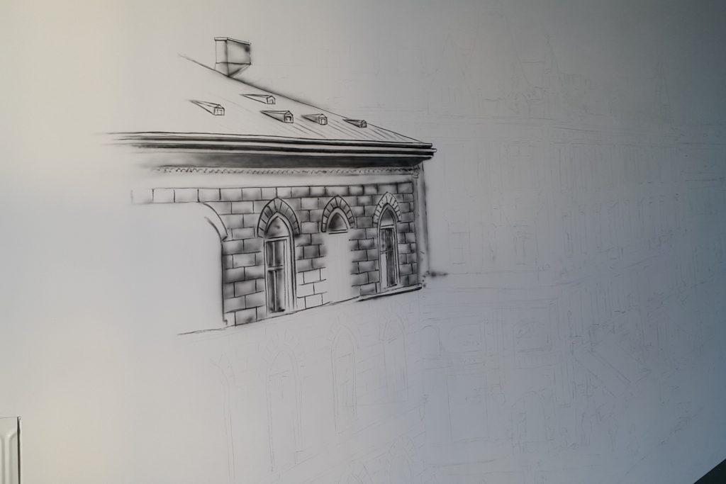 obraz w czarnobieli, malowanie rysunku na ścianie, grafika ścienna