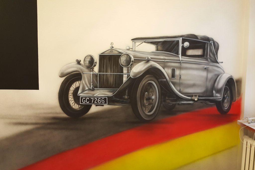 Malowanie sali języka niemieckiego, malowanie mercedesa na ścianie,