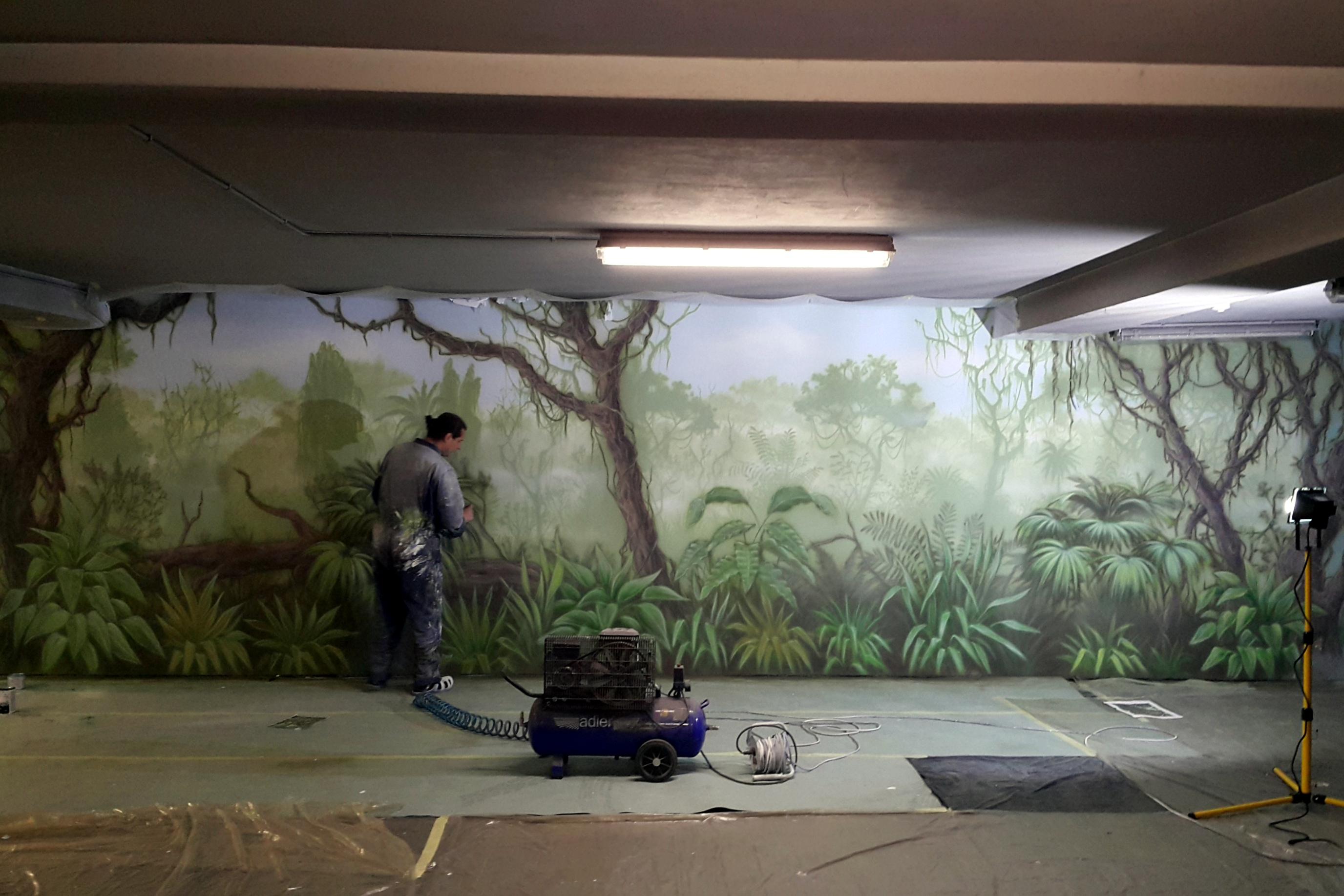 Malowanie dżungli, artystyczne grafitti namalowane