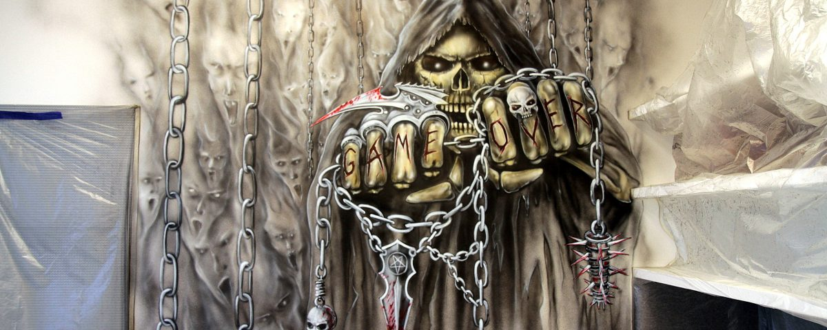 Malowanie kostuchy w pokoju młodziezowym, dark art