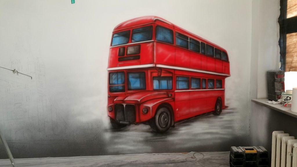 Angielski, autobus, mural, malowanie autobusu, w sali jezykowej
