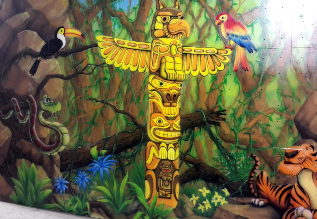 Malowanie totemu, mural 3D