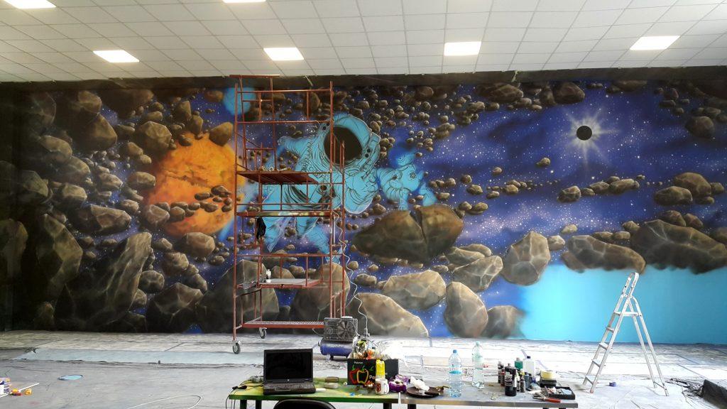 Mural w salkach urodzinowych, malowanie bawialni