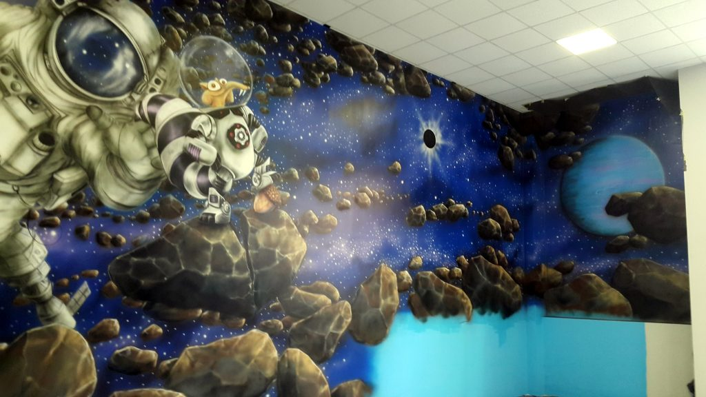 Malowanie ścian w bawialni, mural 3D
