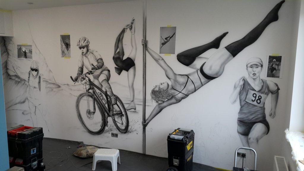 Wrocław malowanie obrazów na ścianie, artystyczne malowanie ścian, czarno biały mural