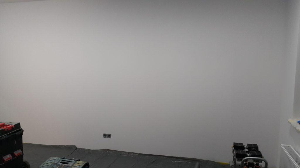 Wrocław artystyczne malowanie ścian, graffiti czarno biały mural