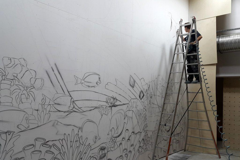 Graffiti dla dzieci, malowanie rafy koralowej na scianie
