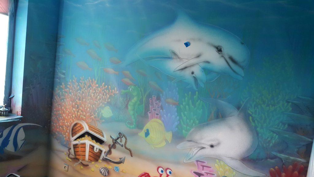 Malowanie pokoju dziecięcego, pokj chłopca, malowanie rybek na ścianie