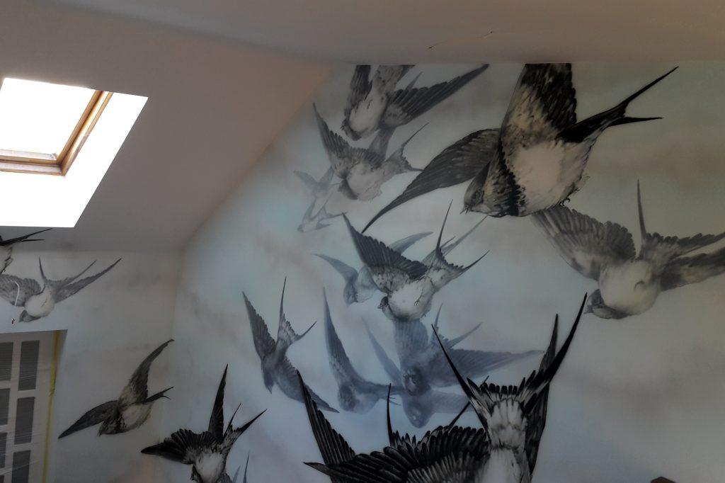 Mural na klatce schodowej, malowanie obrazu na klatce schodowej