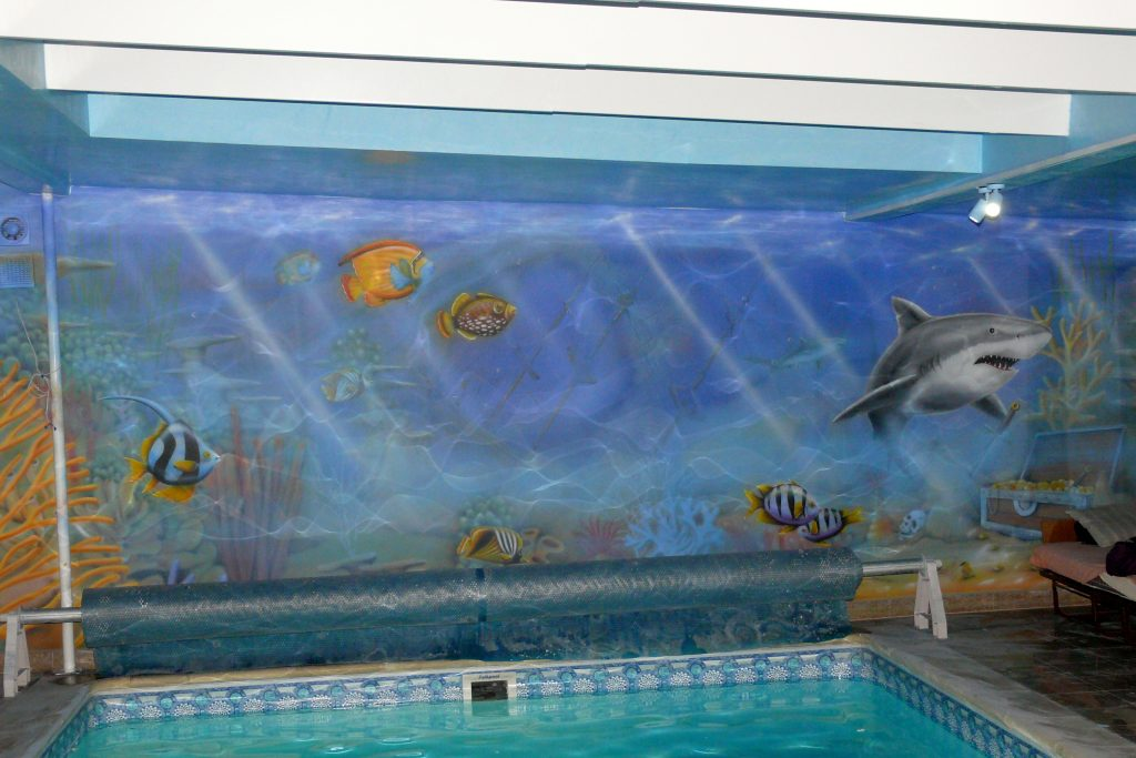 Malowanie na basenie, Aranżacja ściany na basenie, malowidło ścienne na basenie , mural na pływalni