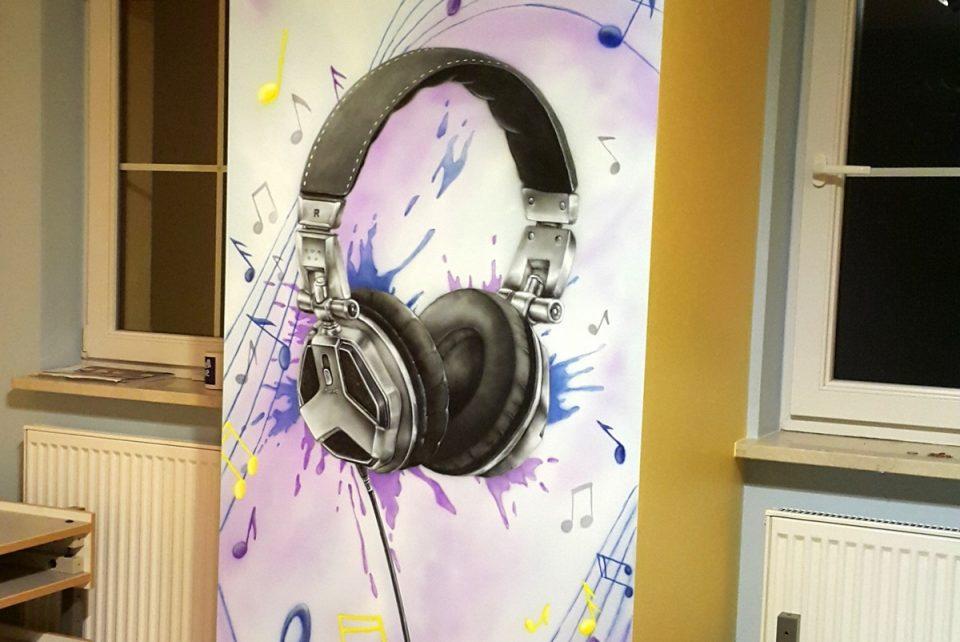 pokój młodzieżowy malowanie, mural w pokoju młodzieżowym