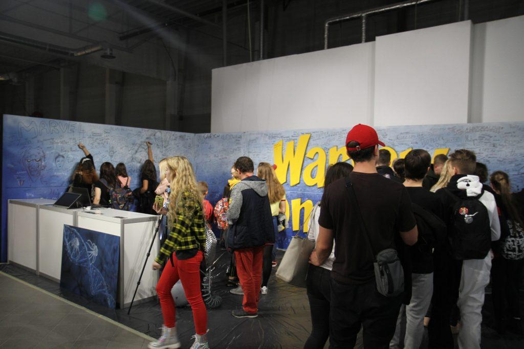 Malowanie loga na festiwali Popkultury Comic Con