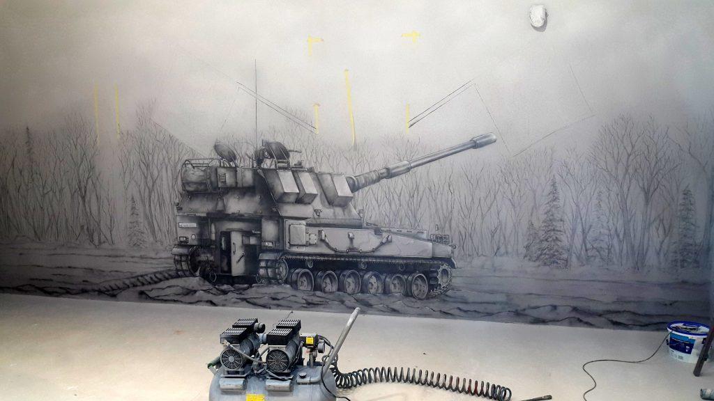Mural wykonany w jednostce wojskowej, malowanie czołgu
