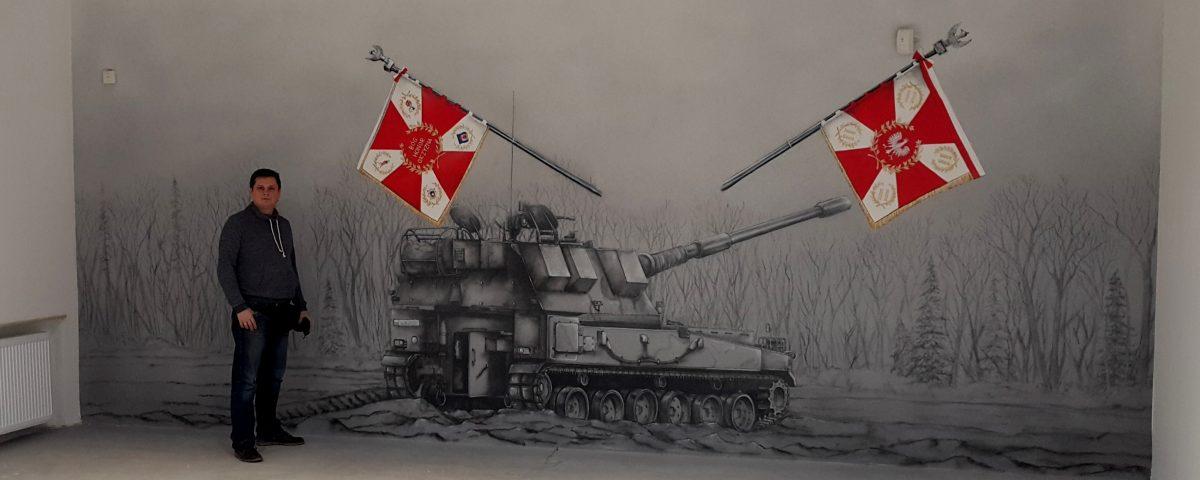 Mural patriotyczny w czarno bieli, malowanie sali tradycji w jednostce wojskowej