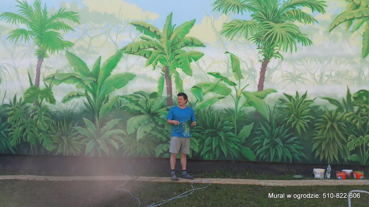 Malowanie dzungli na ścianie w ogrodzie, aranżacja ściany w ogrodzie