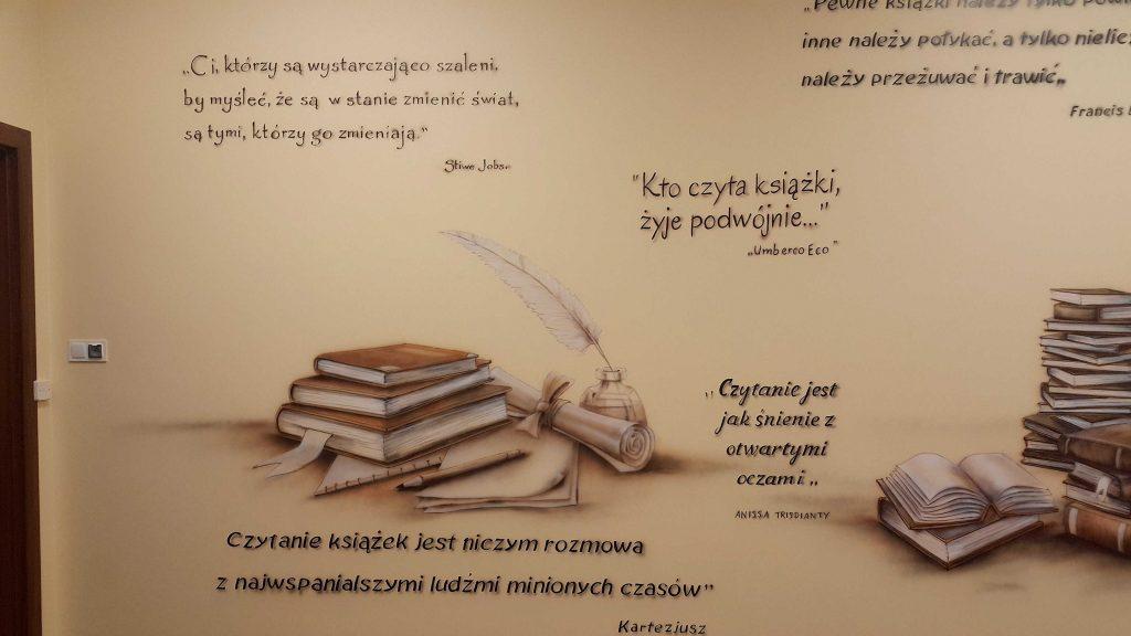 Mural promujący edukację malowanie sali polonistycznej, ciekawy pomysł na aranżację klasy polonistycznej