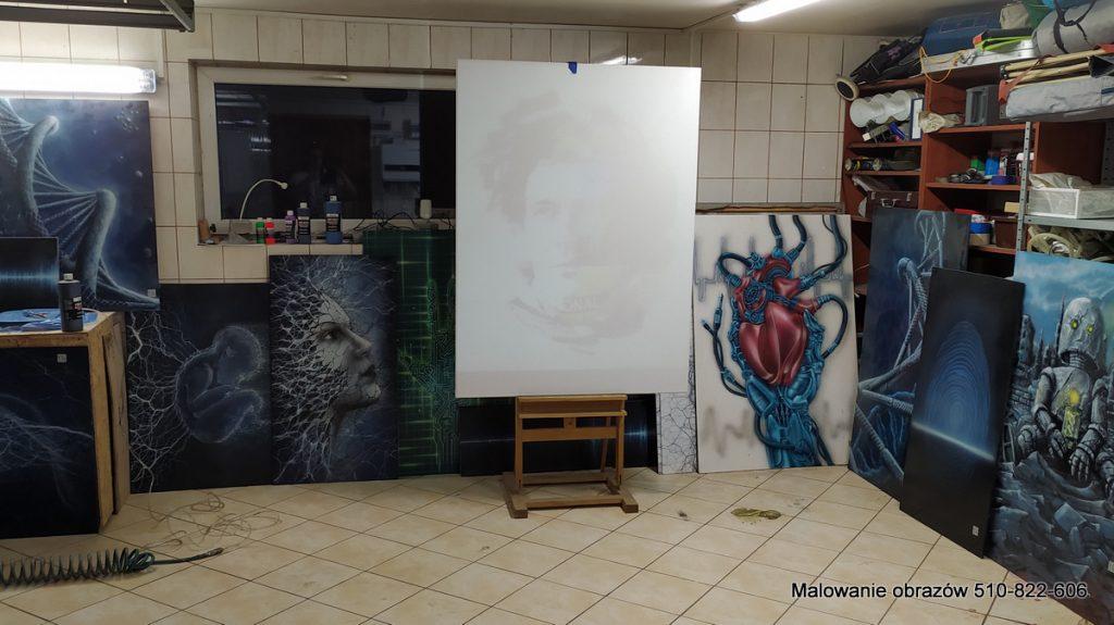Przygotowanie do malowania dużego obrazu, nowoczesne obrazy do lowtów