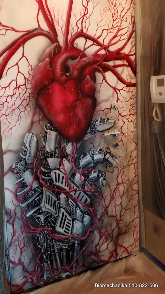 Mural o tematyce biomechanicznej, trans humanizm art