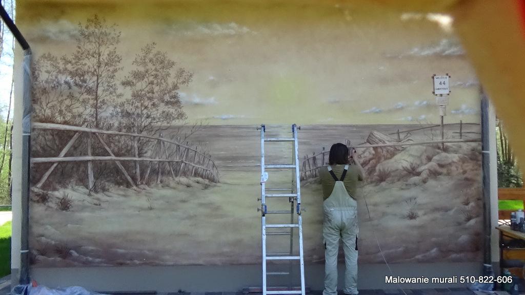 Malowanie obrazów na ścianie, mural na domk wczasowym, aranżacja domków wczasowych. u