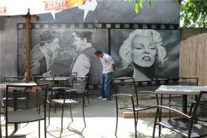 3.-dekoracja-ściany-w-barze