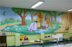 3.-malowanie-ozdobne-sali-przedszkolnej