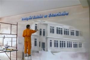 5.-malowanie-holu-w-szkole