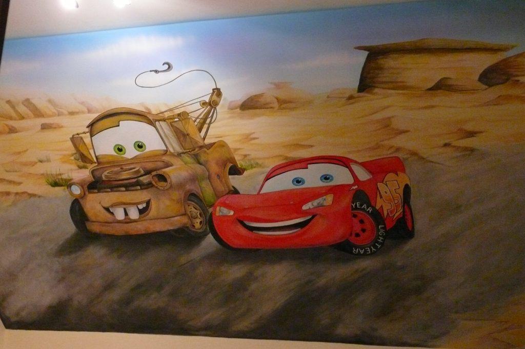 Malowanie pokoju dziecięcego w samochody