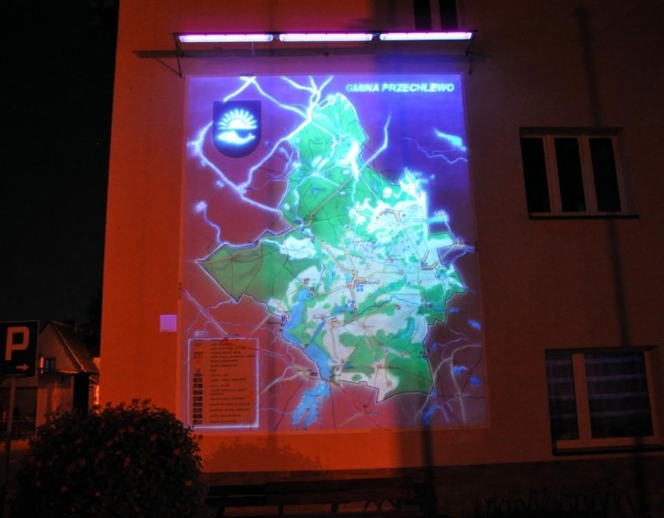 Logo na elewacji, malowanie mapy na elewacji w ultrafiolecie